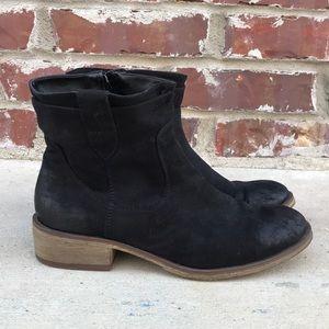 Black Shoe Dazzle booties
